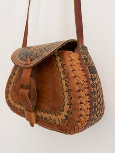Tooled Leather Purse, Leather Tooling, Leather Purses, Leather Handbags, Leather Carving, Leather Saddle Bags, Leather Case, Best Handbags, Lv Handbags