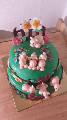 Piggies on the farm cake. Pretty Cakes, Cute Cakes, Fondant Cakes, Cupcake Cakes, Piggy Cake, Extreme Cakes, Pig Cookies, Pig Birthday Cakes, Farm Cake