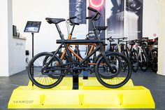 A smart bike that can be controlled with an app. #Vanmoof