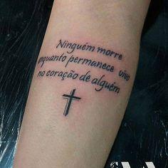 Tattoo Frase https://www.facebook.com/277582875760286/photos/a.399124983606074.1073741832.277582875760286/714459042072665/?type=3&theater