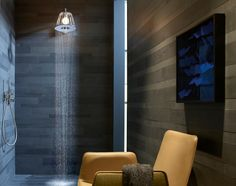 LampShower und ShowerProducts: Brausen in Lampenschirmen und Trichtern