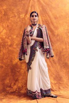 Unconventional drapes by fashionista Sonam Kapoor Ahuja! Churidar, Anarkali, Lehenga, Indian Designer Outfits, Indian Outfits, Indian Clothes, Sonam Kapoor Saree, Off White Saree, Winter Wedding Outfits