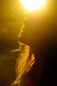 If you have good thoughts they will shine out of your face like sunbeams and you will always look lovely  -Roald Dahl