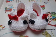 Kitty booties / Patucos de Kitty Free crochet pattern / Patrón gratis ganchillo