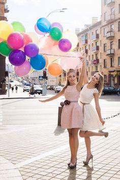 balloons, best friends, and dress image Ideas Fotos Tumblr, Friendship Images, Blonde Women, Dress Images, Friend Photos, Girls Image, Fashion Advice, Wedding Season, Amazing Women