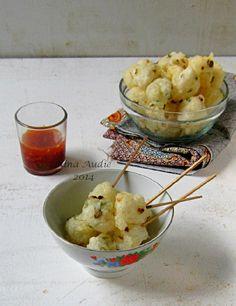 D a p u r M a n i s: Rujak Cireng Indonesian Cuisine, Savory Snacks, Bon Appetit, Good Food, Ice Cream, Sweets, Cake, Foods, Desserts