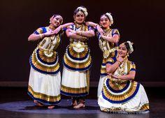 Unusual colour combination for Mohiniyattam costumes. Love it!