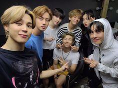 Jungkook V, Vlive Bts, Bts Bangtan Boy, Bts Boys, Foto Bts, K Pop, Save Me Bts, Fanmeeting Bts, Bts Group Photos