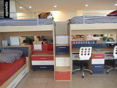 Con las #Camas agioletto podés aprovechar el espacio de dos #Cuchetas y poner una cama más abajo. Además podes poner #Cajones para ordenar las cosas!  http://www.agioletto.com/ficha-mueble-3-camas-marineras-varones-