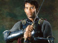 Clive Owen Google Image Result for http://images.fanpop.com/images/image_uploads/King-Arthur-Movie12-clive-owen-499825_1024_768.jpg