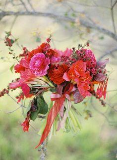 Pink & Red by Flowerwild. Ranunculus / Trumpet Vine