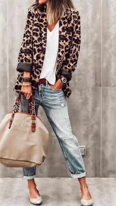 bohostreetstyle modafemenina bohostreetstyle S ., bohostreetstyle modafemenina bohostreetstyle Kilde af # søde tøj med jeans til en fest. Winter Fashion Outfits, Casual Summer Outfits, Look Fashion, Fall Outfits, Autumn Fashion, Womens Fashion, Classy Fashion, Casual Weekend, Weekend Style