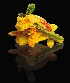 Tempura de verduras y langostinos Antipasto Recipes, Snack Recipes, Snacks, Tapas, Served Up, Catering, Yummy Food, Gastronomia, Recipes