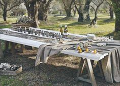 sawhorses + planks = amazing giant outdoor table