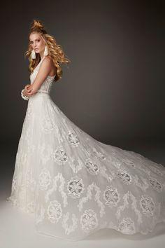 Bohemian Wedding Invitations, Bohemian Wedding Dresses, Boho Bride, Designer Wedding Dresses, Chic Wedding, Bridal Dresses, Wedding Gowns, Green Wedding, Wedding Shoes