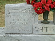 keith whitley head stone