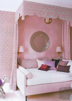 Amazing daybed with canopy. And of course...bolsters! Love it. #girlsroom #bedroom