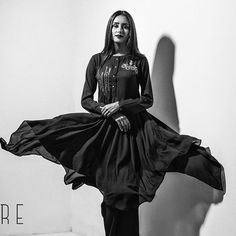 All our Sunday wishes come true in every piece of our Lustrous Black collection. Come check them out. #lustrousblack #blackcouture #flowingdress #standout #beplaire . . Bdt: 3400 only