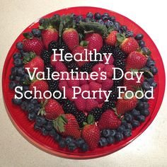 Healthy Valentine's Day School Party Food: Fun fruit platters! #valentinesday #livewellmom