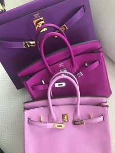 Choosing The Perfect Handbag That's Suitable For All Season - Best Fashion Tips Hermes Birkin, Hermes Bags, Hermes Handbags, Purses And Handbags, Designer Handbags, Birkin Bags, Bags Online Shopping, Purple Bags, Luxury Bags
