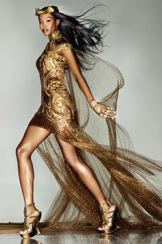 Sept Issue of Vogue UK, Naomi Campbell in a bespoke Alexander McQueen piece created by Sarah Burton for the London Olympic Closing Ceremony Vogue Uk, Alexander Mcqueen Kleider, Naomi Campbell, Beauty And Fashion, Gold Fashion, High Fashion, Luxury Fashion, Glitter Fashion, Glamour