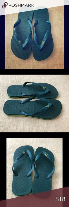 Havaianas Brazil flip flops (39-40) Green rubber flip flops embossed with Havaianas logo and Brazilian flag. Excellent used condition. Mark on sole from original price tag. Size is 39-40. Fits a men's 7/8. Havaianas Shoes Sandals & Flip-Flops