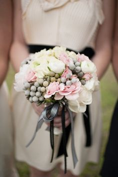 Blog OMG - I'm Engaged! - Um bouquet com a cara da primavera! Romantic wedding bouquet.