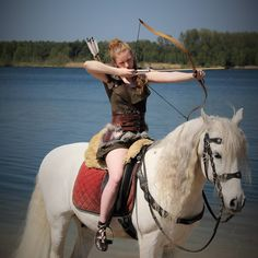 First time shooting from a horse 😀🏹 ➡️Photographer . Shield Maiden, Character Poses, Archery, Vikings, First Time, Celtic, Armour, Medieval, Horses