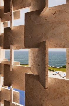 Mármore travertino- Casa Kimball by Rangr Studio Architecture Design, Facade Design, Landscape Architecture, Tectonic Architecture, Landscape Design, Stone Facade, Stone Cladding, Beautiful Beach Houses, Beton Design