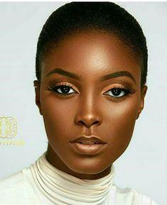 Large eyes show makeup, african american hairstyles, nude makeup, makeup art, dark Dark Skin Makeup, Nude Makeup, Dark Skin Beauty, Beauty Makeup, Makeup Art, Beautiful Dark Skinned Women, Beautiful Black Women, Beautiful Body, Beautiful Clothes