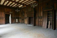 Desafio da restauração é reparar os ambientes internos e deixá-los com acabamento próximo do original