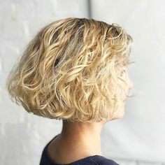 Short Curly Haircuts for Fine Hair 2019 Our Favorite Hairstyles for Thin Curly Hair Of 96 Inspirational Short Curly Haircuts for Fine Hair 2019 Short Curly Haircuts, Curly Bob Hairstyles, Short Hair Cuts, Straight Hairstyles, Cool Hairstyles, Bob Haircuts, Summer Haircuts, Thin Curly Hair, Curly Hair Styles