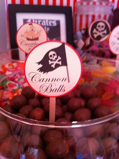 Pirate food - Cannon Balls (maltesers) - could also use grapes, or other round foodies . thinking meatballs would be good Pirate Themed Food, Pirate Food, Pirate Day, Pirate Fairy Party, Pirate Halloween, Pirate Birthday, Girls Pirate Parties, Peter Pan Party, Curious George Party