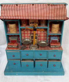 très ancienne épicerie et ses accessoires, jouet de maison de poupée ou dinette