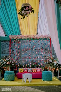 Simple & DIY Decor Ideas for your Mehendi/Haldi function at Home. With Backdrops and Flowers, We have so many Ideas for you.#shaadisaga #indianwedding #mehendidecorideas #mehendidecorideasathome #mehendidecorideassimple #mehendidecorideasoutdoor #mehendidecorideasbackdrops #mehendidecorideasdiy #mehendidecorideasathometerrace #mehendidecorideasathomesimplediy #mehendidecorideassatgedecorations #mehendidecorideasbackdropphotobooths Mehendi Decor Ideas, Mehndi Decor, Red Wedding Decorations, Ceremony Decorations, Wedding Looks, Bridal Looks, Mehndi Ceremony, Wedding Vendors, Wedding Ideas
