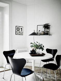 Scandinavian dining rooms to make you crave for a round table | Grey Deco