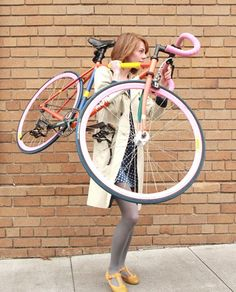 Girl and her fixie (fixed gear and singlespeed). Bicycles Love Girls. bicycleslovegirls...