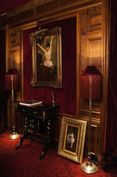 In the heart of Montmartre, the hotel Maison Souquet delights the City of Light with its elegant and sensational presence designed by Jacques Garcia. Victorian Rooms, Victorian Era, Vampire House, Victorian Vampire, Arte Obscura, Gothic House, Gothic Mansion, Hogwarts Houses, Architecture