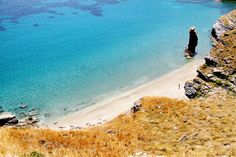 Discover Tis Grias to Pidima beach in Andros Greece: Description, photos and map of Tis Grias to Pidima beach but also things to do, hotels and restaurants. Free Travel, Us Travel, Andros Greece, Greece Vacation, Shade Trees, Windsurfing, Most Beautiful Beaches, Top Hotels, Travel Agency