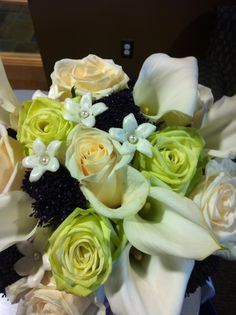 Brides bouquet detail 9-21