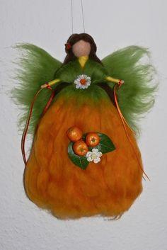 ORANGEN - FEE  ELFE  ENGEL   Jahreszeitentisch Märchenwolle Südfrucht Orange