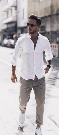 Six Simple Street Style Looks To Copy Now - Moda masculina - # Simple Summer Outfits, Classy Outfits, Outfit Summer, Summer Ideas, Summer Men, Mens Fashion Shoes, Sneakers Fashion, Men's Sneakers, White Sneakers