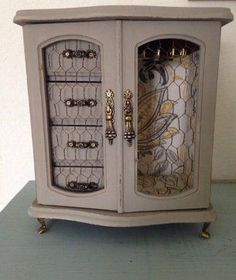 Jewelry Box Makeovers: see more at figuringitoutaswegoalong.wordpress.com and buy https://www.etsy.com/listing/273458100/rustic-jewelry-box?ref=shop_home_active_1