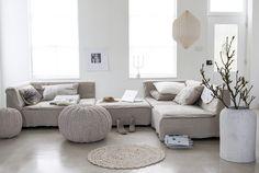 Afbeelding woonkamer (crème met grijstinten gecombineerd, mooi)