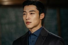 Lee Min Ho and Woo Do Hwan Have a Friendly Face Off in New Stills From The King: Eternal Monarch Handsome Korean Actors, Handsome Anime Guys, Hot Korean Guys, Korean Men, Lee Min Ho, Park Hyung, Kim Go Eun, Kdrama Actors, Kpop