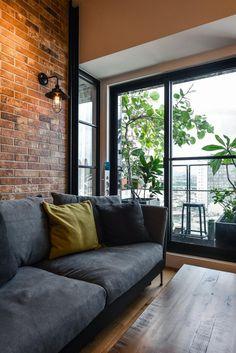 design styles home Apartment Interior, Apartment Design, Interior Architecture, Interior Design, House Design, Couch, Windows, Fashion Design, Furniture