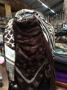 bbms.nl leuke ideeen: Sjaal Borg Bont Bas Bastiaans Modestoffen stof fabric zelf maken sjaal trend winter 2014 2014 bbms.nl stola poncho ibiza