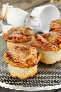 Personal pizzas - פיצות אישיות בתבניות מאפינס Culinary Arts, French Toast, Muffin, Breakfast, Blog, Morning Coffee, Muffins, Blogging, Cupcakes