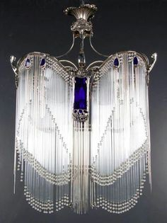 Just Beautiful: Art Nouveau Hector Guimard lustre // chandelier. Estilo Art Deco, Muebles Estilo Art Nouveau, Mobiliário Art Nouveau, Art Nouveau Design, Unique Lighting, Vintage Lighting, Moda Art Deco, Lampe Art Deco, Jugendstil Design