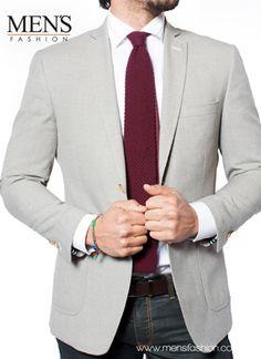La combinación de #Corbata con #Camisa y #Jeans pueden ser una buena opción. Recuerda que todo tiene cabida siempre y cuando no se pierda tu estilo. ¡Atrévete! ¡Viste #Fashion! www.mensfashion.com.mx ---> http://franquicia.org.mx/